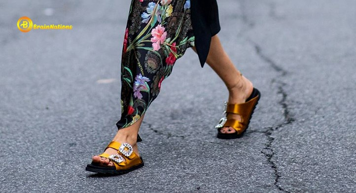 Gucci slides women