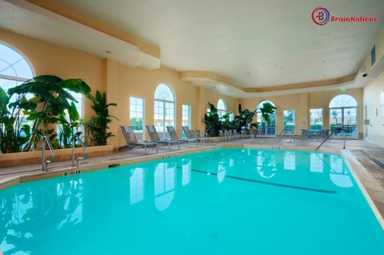Hotels with pools near me